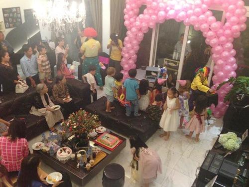 Tiệc sinh nhật tại nhà